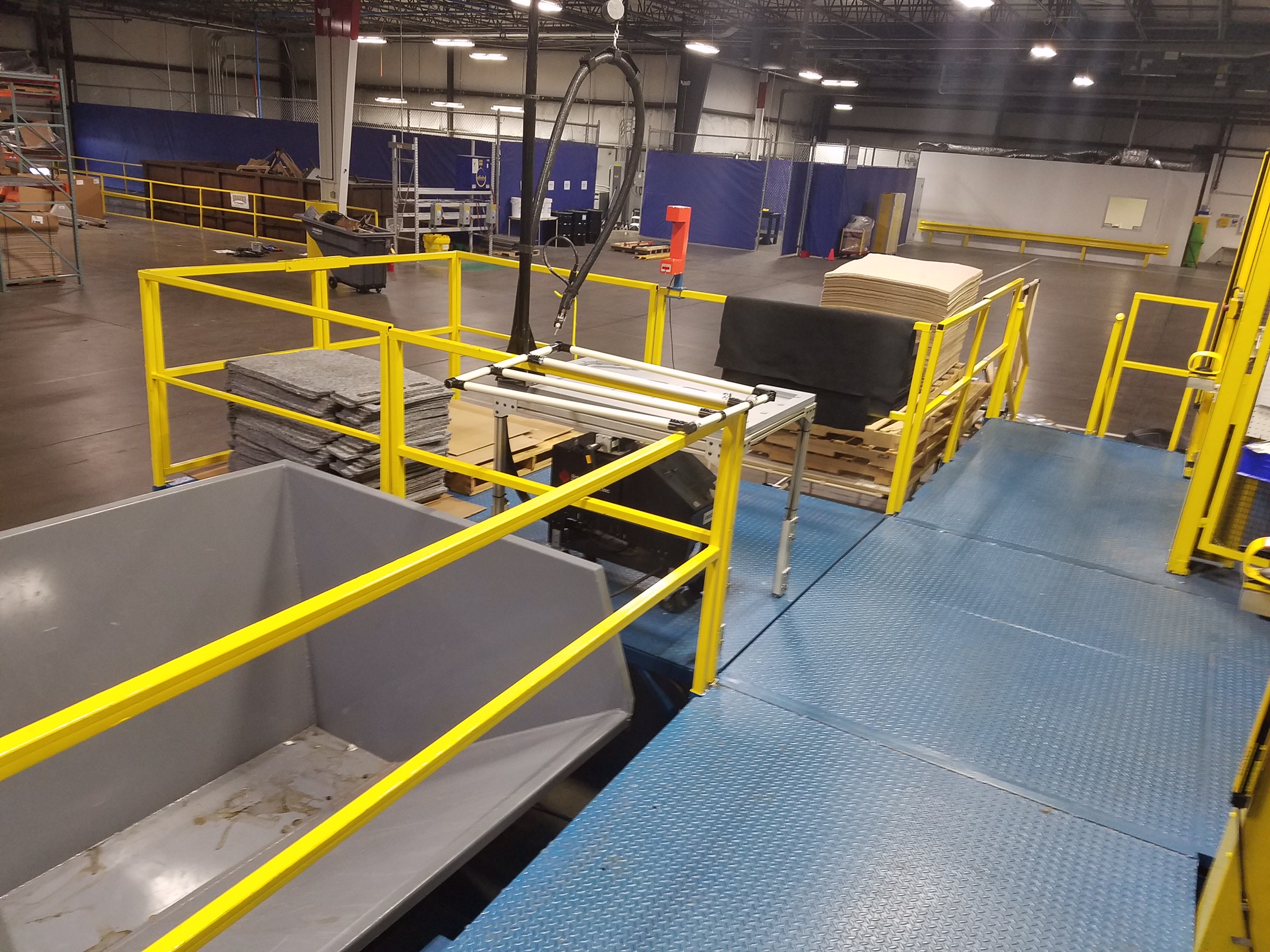 Operating mezzanine